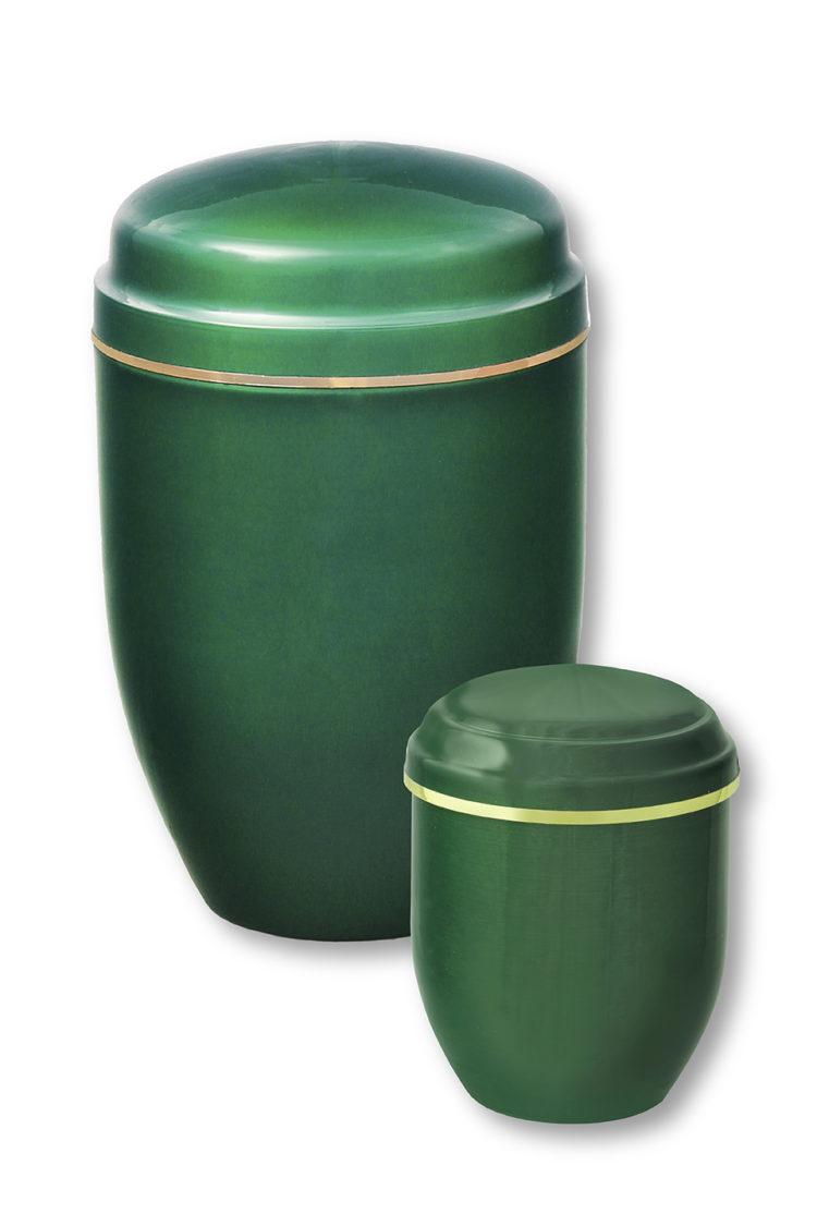 Deux urnes funéraires vertes gravées